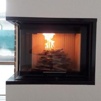 AKUMULAČNÝ KRB s odvetraním - Nové Zámky KV ROMOTOP ANGLE R 2g L s akumulačnými prstencami Oheň vytvára nezameniteľnú atmosféru domova...